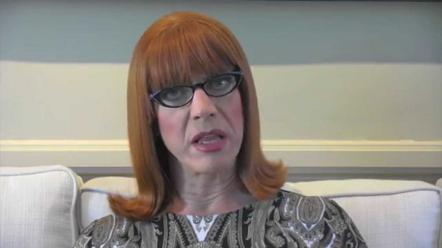 Coco Peru Reads 'Frozen'